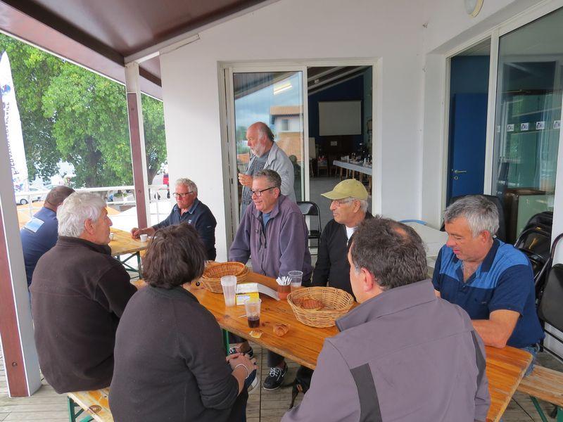 Cafés croissants01.JPG